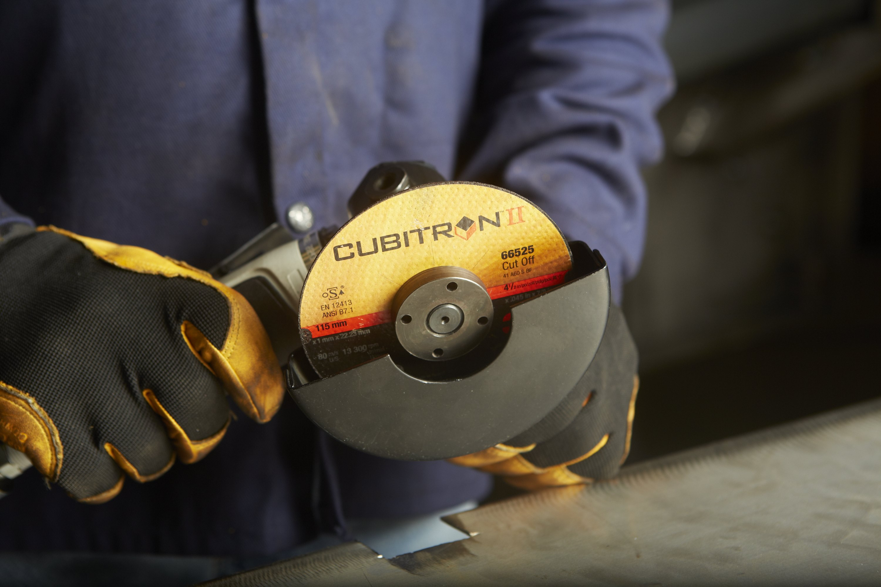 Cubitron II abrasives use precision-shaped grain technology to cut faster, stay sharper longer and require less pressure than conventional grinding and cut-off wheels. These abrasives help reduce operator fatigue and increase productivity.(Click on photo to enlarge it)