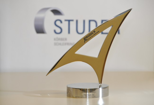 "This year's Prodex Award went to a software program, ""StuderTechnology,"" which makes the operation of a cylindrical grinding machine considerably easier. Many of the usual settings are now made for the operator.(Click on photo to enlarge it)"