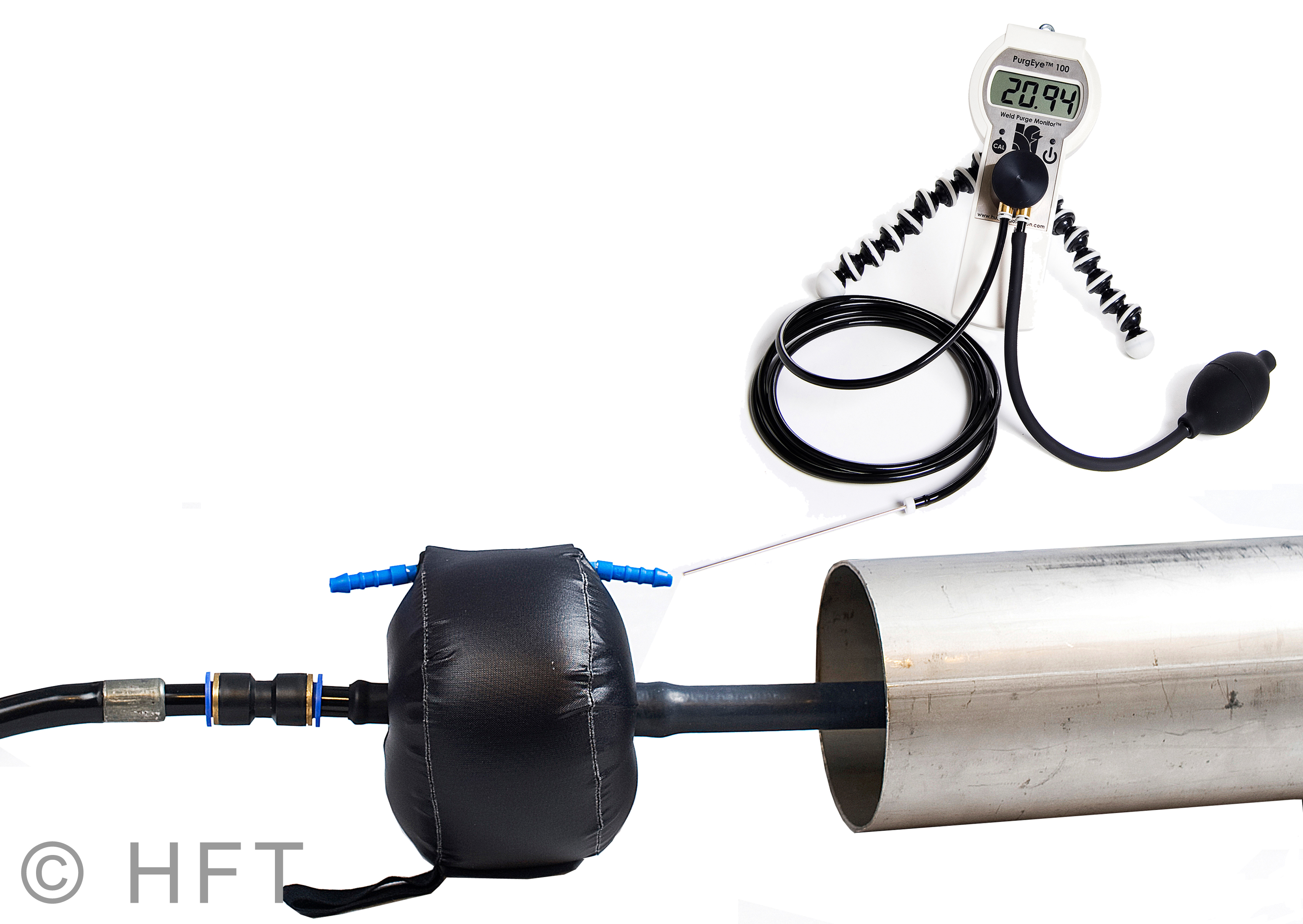 The PurgElite group of inflatable devices contains the world's smallest inflatable pipe purging system. It can be used in pipes and tubes with a diameter of only 25 mm (1 in) and up to 300 mm (12 in).(Click on photo to enlarge it)
