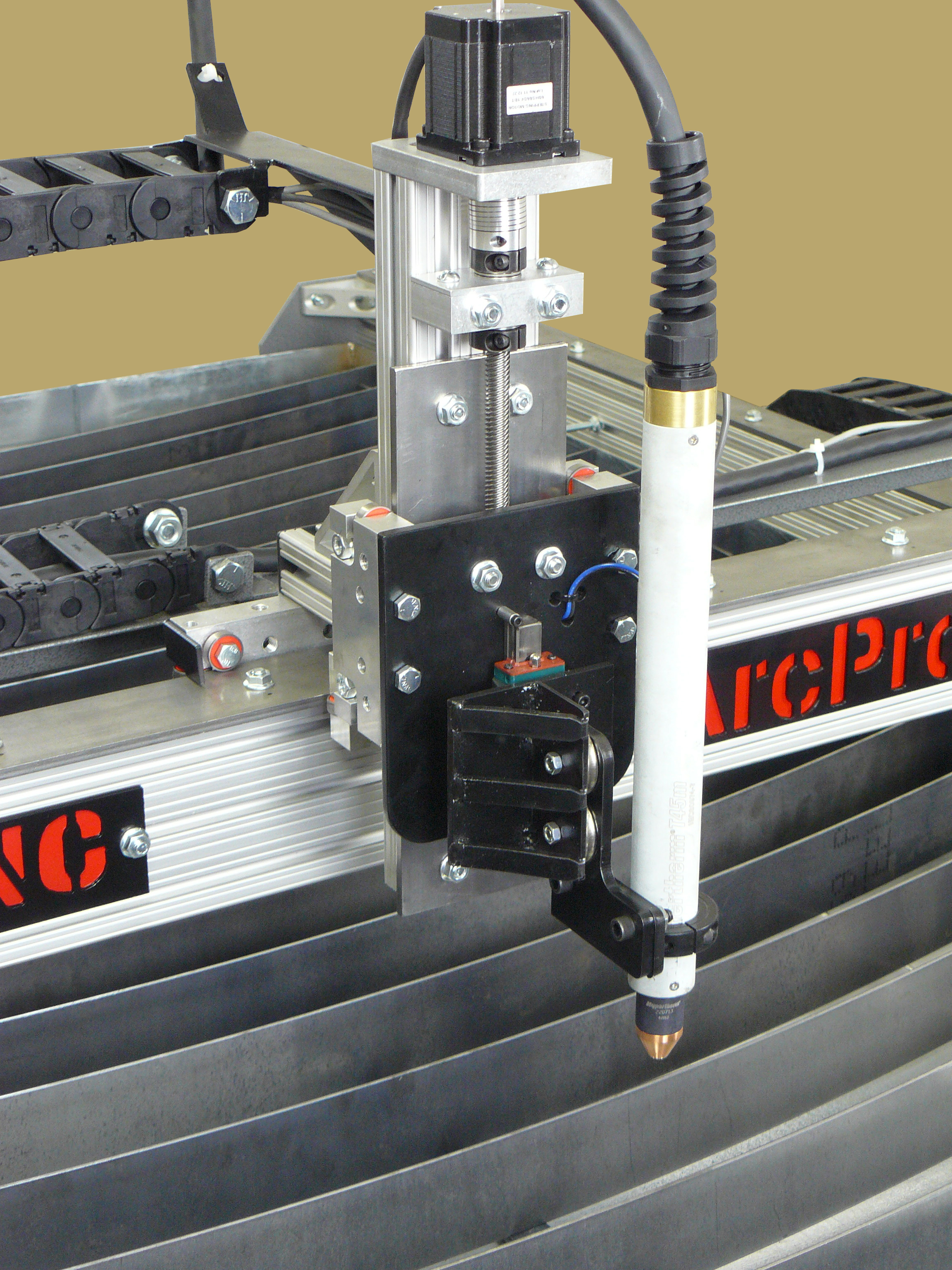 Polymer Cable Carriers Take Center Stage In Metalworking