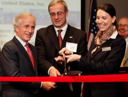 U.S. Senator Bob Corker (left), Consul General of the Federal Republic of Germany Christoph Sander (center) and president and chief executive officer of GACC South Martina Stellmaszek (right), at GACC South's new Tennessee chapter office opening.
