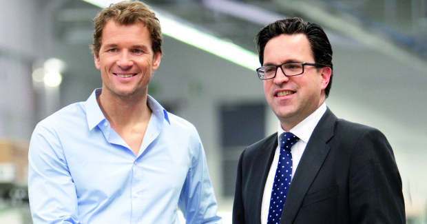 As brand ambassador, Jens Lehmann (left) will draw attention to SCHUNK's competence leadership in clamping technology and gripping systems. Managing partner Henrik A. Schunk (right) personally picked the world class goalkeeper for this job.