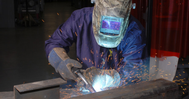 Because metal-cored wires can weld through mill scale and light rust, they can often eliminate pre-weld activities like grinding, sandblasting or adding anti-spatter before the welding process begins. This feature can also eliminate or reduce the cost for purchasing grinding wheels and anti-spatter solution.