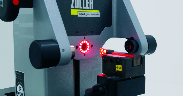 The automatic recognition of cutting edge shapes and the measuring range of over 100 different cutting edge shapes, functions such as adapter management, cutting edge inspection or the navigation system »compass« ensure accurate measuring results at simple operation.