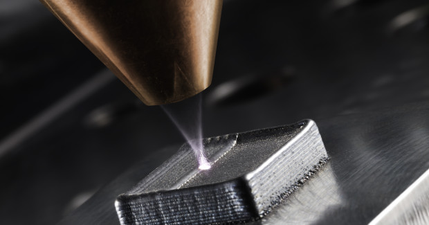 Generative manufacturing: Laser deposition welding on a workpiece.
