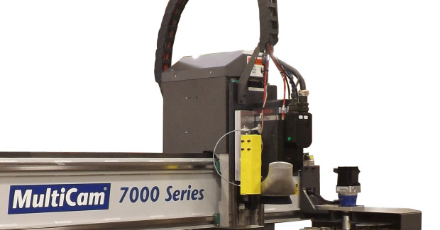 The 7000 Series is equipped with a user-friendly operator interface, automatic tool calibration, high speed three-axis controller, rapid traverse of 3,000 ipm and repeatability accuracy of ±.001 in.