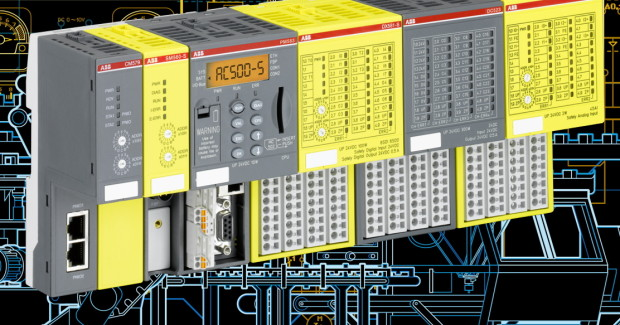 The integrated AC500-S safety PLC can run even if the non-safety PLC is stopped for maintenance so that personnel can still easily move within the machine during the maintenance phase, because the safety PLC will continue monitoring the state of the machine's safety sensors and executing its safety function.