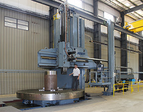 With a 360 deg rotary table with a diameter of more than 16 ft and a load capacity of 160 tons, the machine can handle the largest of machining needs.