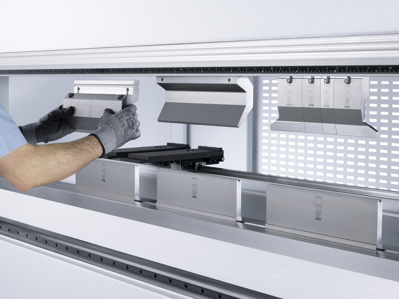 How Your Selection Of Press Brake Tooling Affects