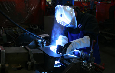 Pulsed MIG welding is effective in welding higher-strength steels and galvanized steels. Synergic pulsed MIG welding systems that communicate completely between the power source, feeder and gun are popular in welding materials such as aluminum. With a standard Pulsed MIG system that is not synergic, a welding operator must manually change other settings when changing the wire feed speed. With a synergic system, changes in wire feed speed automatically adjust other settings for a constant welding arc, greater control and better weld quality.