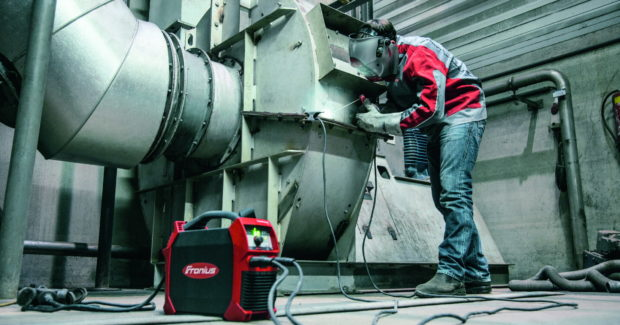 The TransPocket's current consumption now automatically adjusts to the sinusoidal grid voltage. This makes the device highly energy-efficient, and minimizes disruptive repercussions in relation to the grid. (Photo courtesy of Fronius International GmbH)