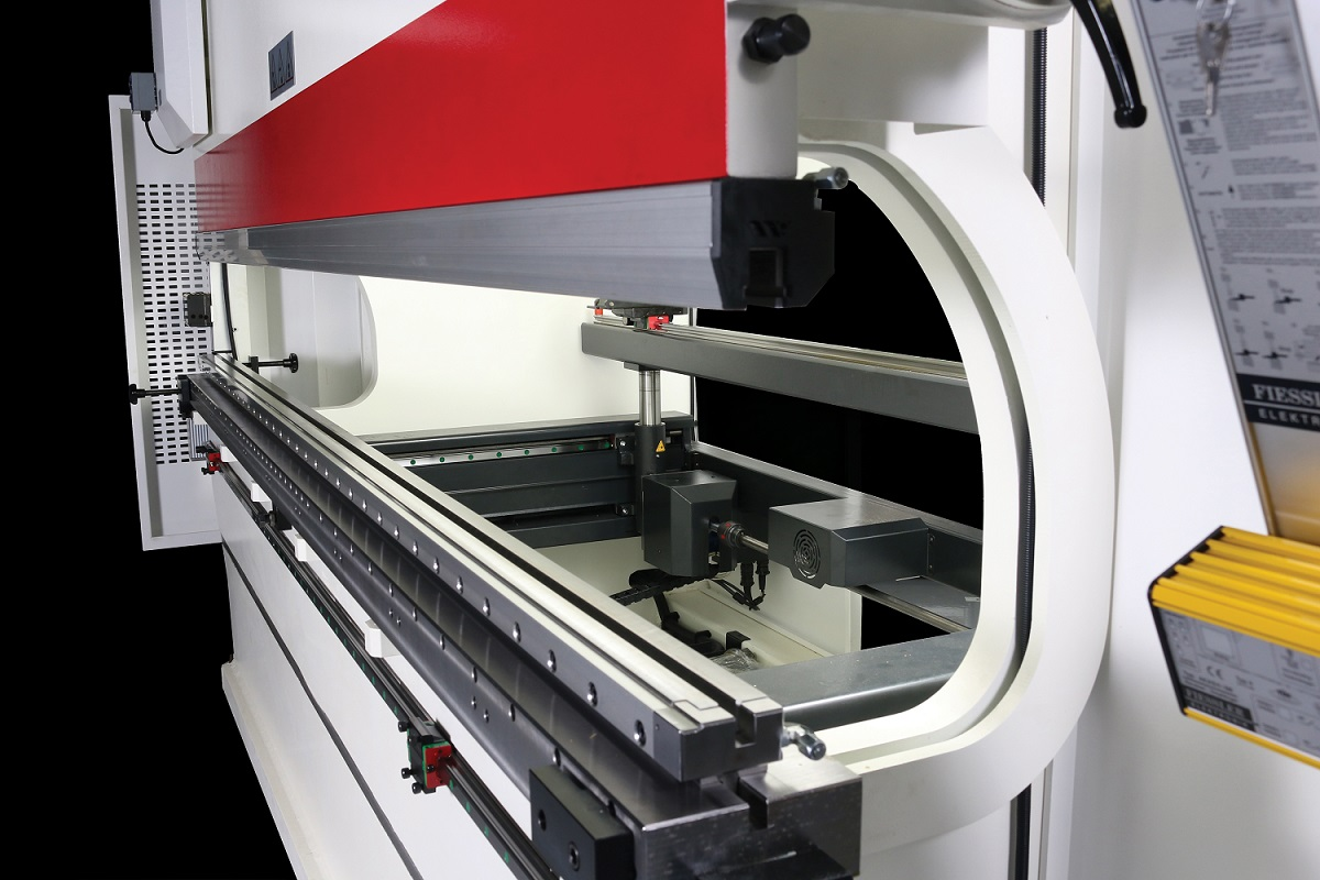 Trends in Hydraulic Clamping Systems for the Press Brake